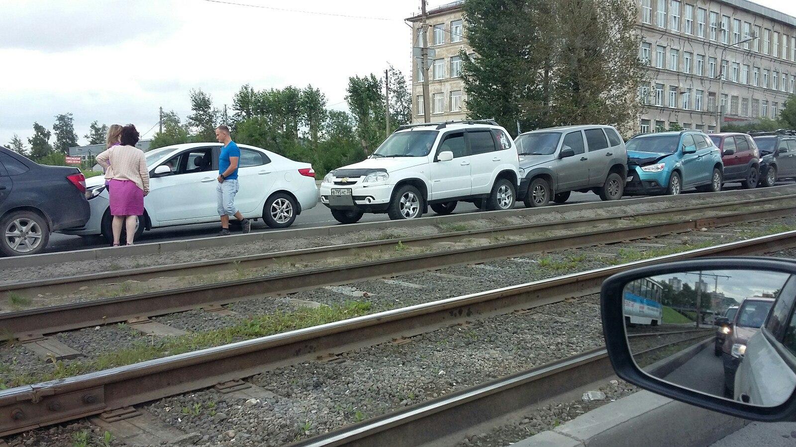 В Череповце столкнулись 9 автомобилей
