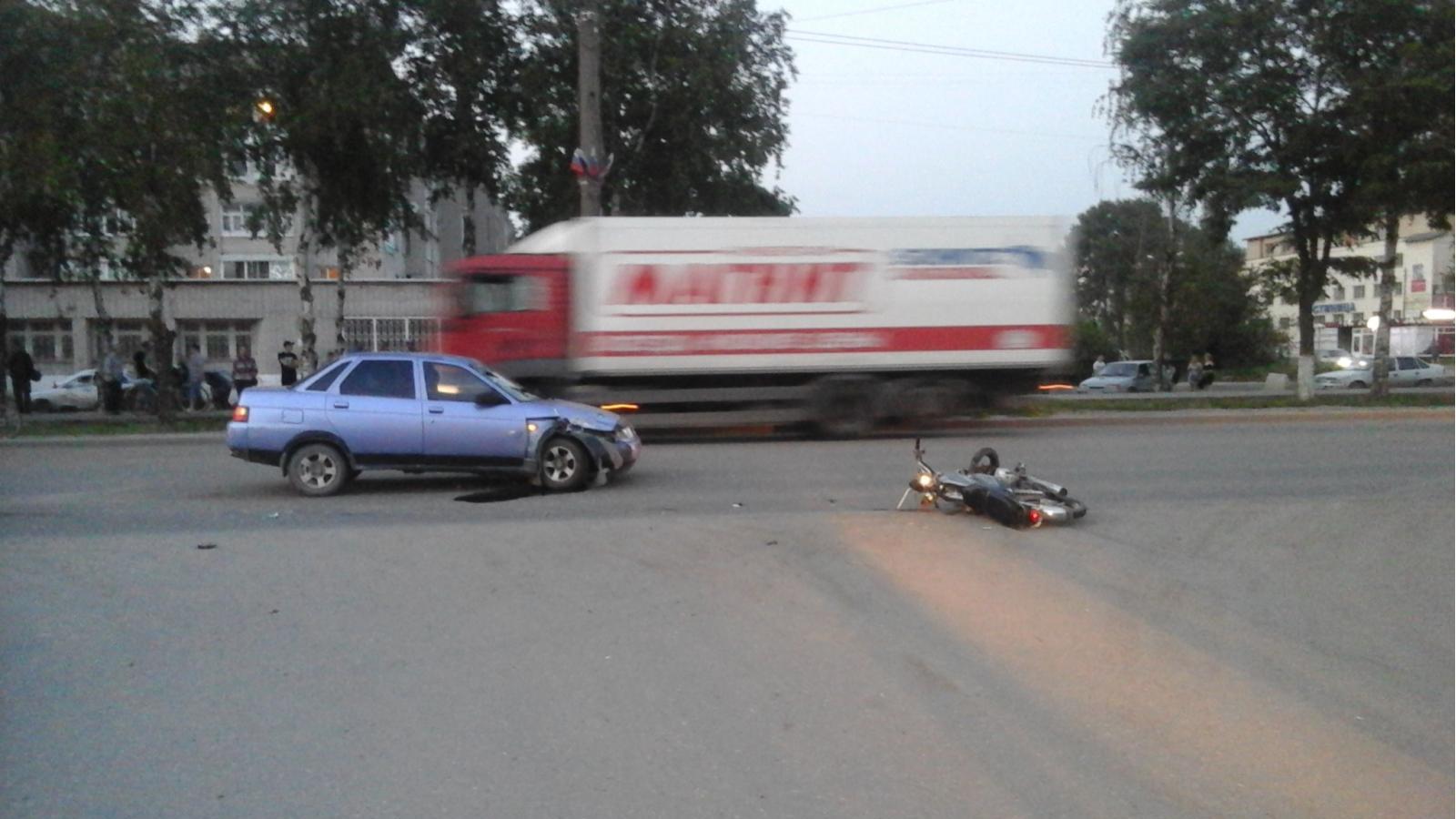 Водитель мопеда погиб в лобовой аварии в Соколе