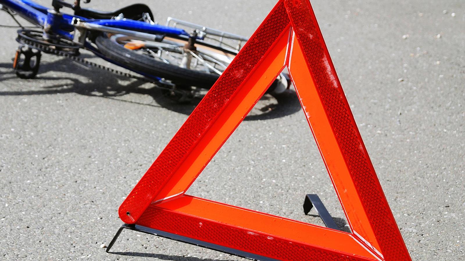 В Вологде легковушка сбила школьника на велосипеде и скрылась