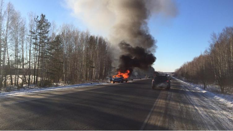 Кроссовер горел накануне на Вологодской трассе