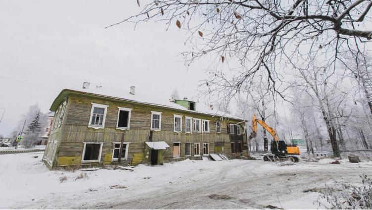 Полуразрушенные городские здания один за другим переходят к инвесторам