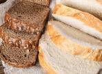 Ученые выяснили, что белый и черный хлеб одинаково воздействует на организм