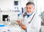Пациенты пожилых врачей умирают чаще