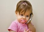 Смартфоны и планшеты вызывают у детей задержку речевого развития