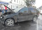 Дорогая иномарка сгорела вчера в центре Вологды