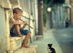 Вологжанин обокрал маленького уличного музыканта