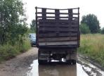 Попытка запрыгнуть в движущийся грузовик стоила вологжанину жизни