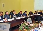 Власти Вологды решили сэкономить на покупке машин и ремонте кабинетов