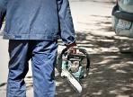 Две бензопилы похитили у череповчанина прямо на улице