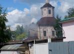 В центре Вологды загорелась недействующая церковь