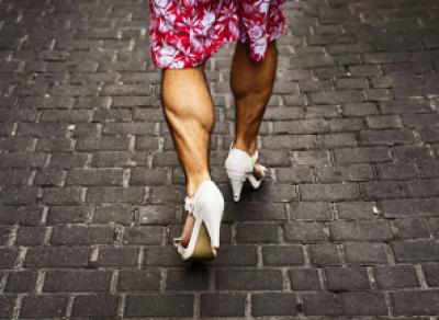 Уличная драка из-за женской юбки
