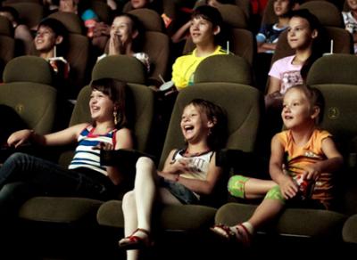 В осенние каникулы вологодские школьники смогут посмотреть кино по специальному абонементу