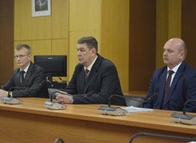 Три кандидата на пост руководителя администрации Вологодского района представили свои программы