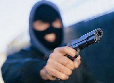 На вологодской трассе на дальнобойщика напали грабители