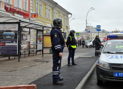 Сразу два здания банка оцепили сегодня в Вологде