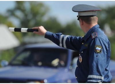 Инспекторам ГИБДД запретят курить и ругаться в присутствии водителей