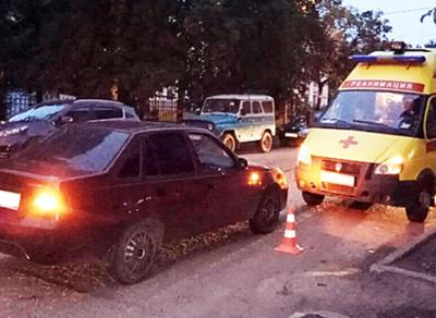 Водитель иномарки совершил наезд на школьницу в центре Вологды