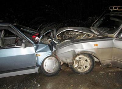 В ДТП под Шексной получили травмы семь человек