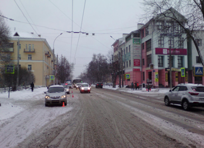 В центре Вологды под колеса иномарки угодила 40-летняя женщина
