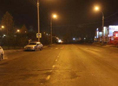 17-летняя девушка попала под колеса автомобиля на ул.Дальней