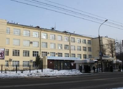 На автобусной остановке в Вологде умер пенсионер