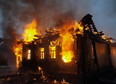 В Вологодской области неизвестные подожгли магазин
