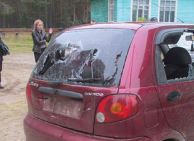 Мужчина, изрубивший топором автомобиль, предстанет перед судом