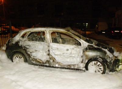 В Вологде сожгли иномарку