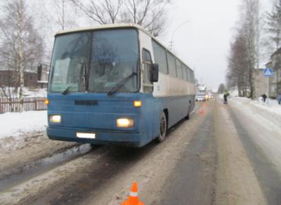 В Вологодской области восьмилетняя девочка попала под колеса автобуса