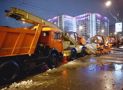 Итоги ночного мониторинга уборки улиц подводят городские власти
