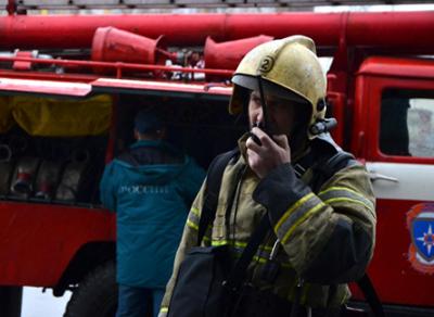Нежилой деревянный дом горел сегодня в Вологде
