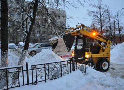 Больше 50 единиц техники чистили город сегодня утром